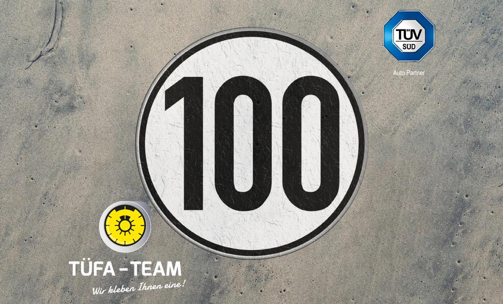 Technische Voraussetzungen für die Tempo-100-Plakette für Fahrzeuge mit Anhängern für die Autobahn